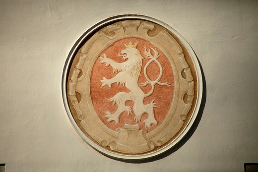 Crest with lion at the torture museum on market square, &268,eský Krumlov, Czech Republic, Europe : Stock Photo