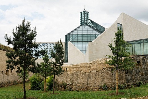 Stock Photo: 1848-225494 Museum of Modern Art in the ruins of Fort Thuengen, Musée d´Art Moderne Grand_Duc Jean, Mudam, Plateau de Kirchberg, Luxemburg, Europe