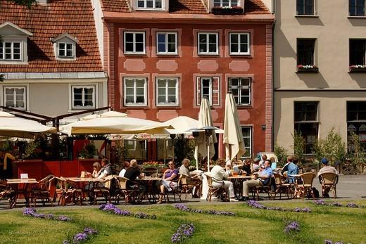 Stock Photo: 1848-22633 Strret café in the historic city centre of Riga, Latvia, Baltic region, Europe