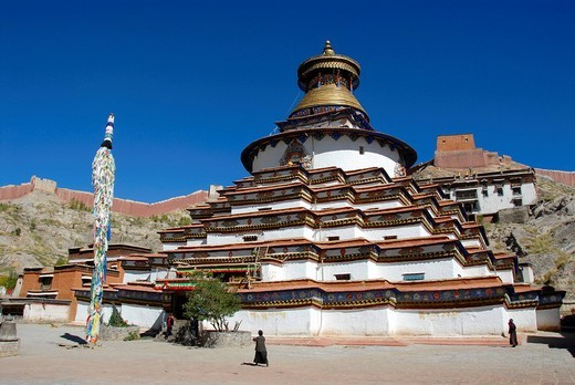 Tibetan Buddhism, Kumbum stupa in the Pelkor Choede Monastery, Balkor Monastery, Gyantse, Himalayas, Tibet Autonomous Region, People´s Republic of China, Asia : Stock Photo