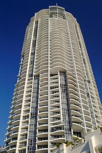 Round high_rise apartment building, Surfers Paradise, Queensland, Australia : Stock Photo