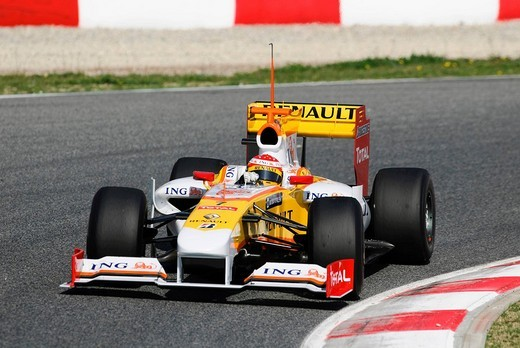 Fernando ALONSO in the Renault R29 during Formula One testing sessions on Circuit de Catalunya near Barcelona, Spain : Stock Photo
