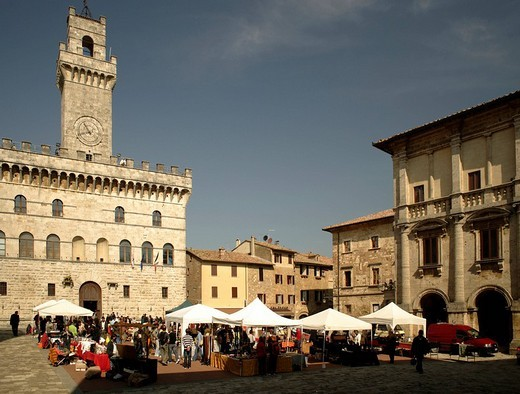 Piazza Grande Square, Palazzo Comunale, Montepulciano, Tuscany, Italy, Europe : Stock Photo