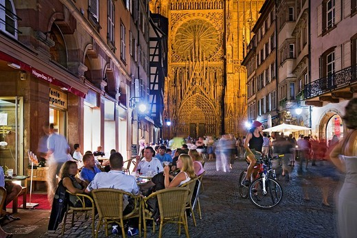 Rue Merciere, west gate, Strasbourg Cathedral, Strasbourg, Alsace, France, Europe : Stock Photo