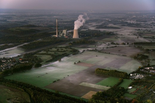 Coal power plant Evonik Steag, in cooperation with RWE Power AG, at the Datteln_Hamm_Kanal canal, Bergkamen, North Rhine_Westphalia, Germany, Europe : Stock Photo