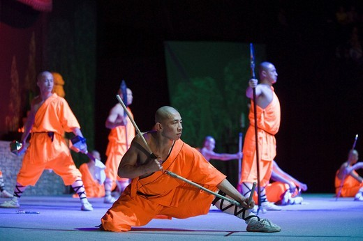 Stock Photo: 1848-234032 Shaolin monks during a show on the 22nd of March 2009 in Berlin, Germany