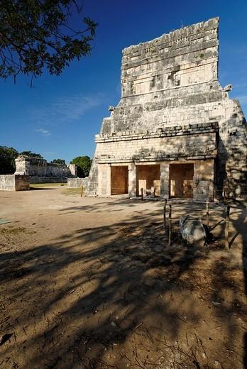 Stock Photo: 1848-234640 Templo de los Jaguares, Jaguar temple, Maya and Toltek archeological site Chichen Itza, new worldwonder, Yucatan, Mexico