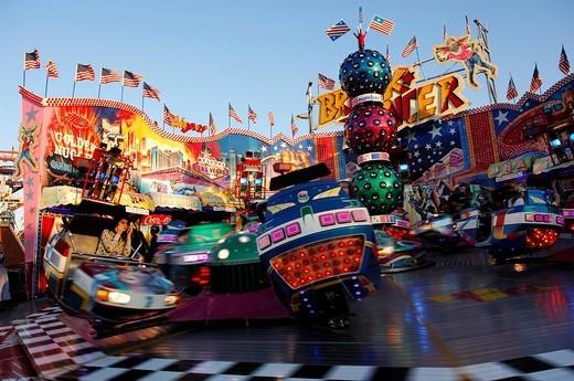 Stock Photo: 1848-235613 Breakdancer, fairground ride, Wies´n, Oktoberfest, Munich, Bavaria, Germany, Europe