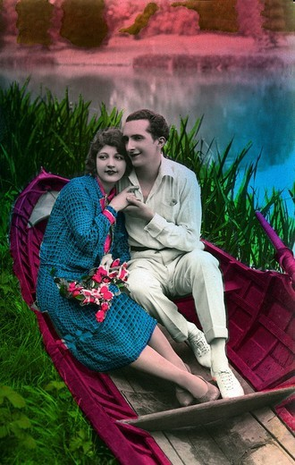 Stock Photo: 1848-239366 Courting couple in a boat, historical photo, circa 1930