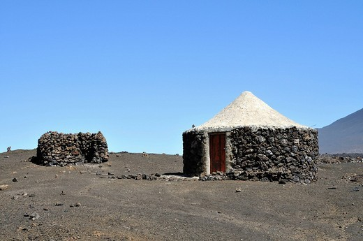Traditional hut, Cha das Caldeiras, Pico de Fogo Volcano, Fogo Island, Cape Verde Islands, Africa : Stock Photo