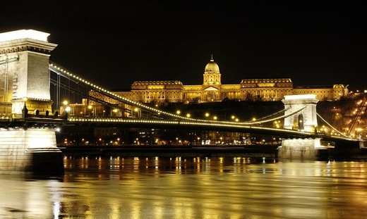 Stock Photo: 1848-241924 Kettenbruecke, Széchenyi Chain Bridge in Budapest, Hungary, Eastern Europe