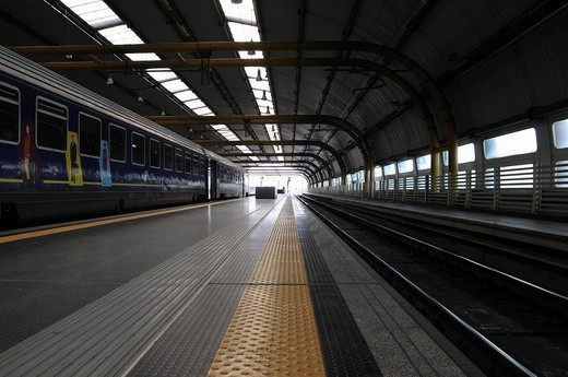 Stock Photo: 1848-241981 Platform, Leonardo da Vinci Airport, Fiumicino, Italy