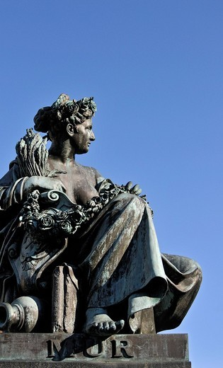 Female figure representing River Mur, fountain of Archduke Johann, main square, Graz, Styria, Austria, Europe : Stock Photo