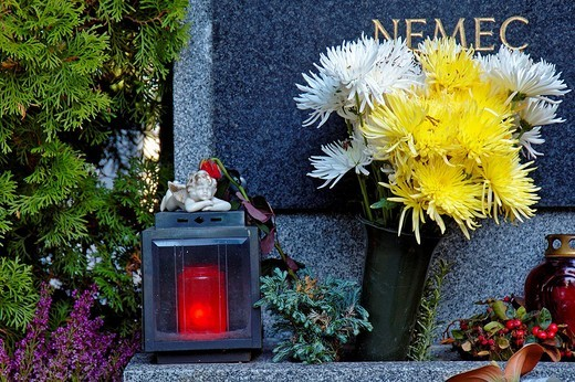 Flowers on a grave on All Saints´ Day, Klosterneuburg, Austria : Stock Photo