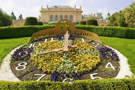 Flower clock in front of Kursalon, Stadtpark, municipal park, Vienna, Austria, Europe : Stock Photo