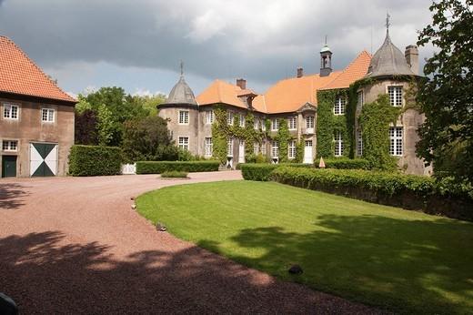 Wasserschloss Itlingen moated castle, Baroque estate by architect Johann Conrad Schlaun, Muensterland region, North Rhine_Westphalia, Germany, Europe : Stock Photo