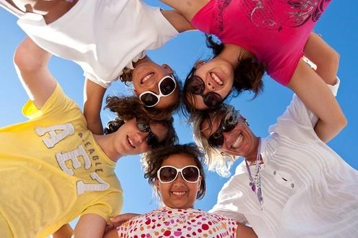 Stock Photo: 1848-244300 Happy family at the beach