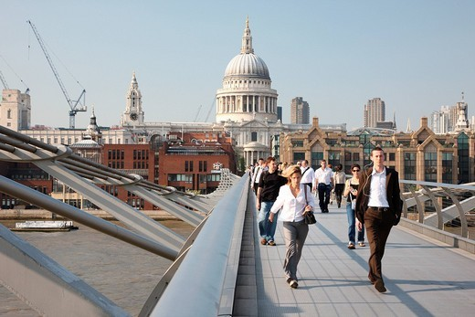View towards St. Paul´s Cathedral from Gateshead Millennium Bridge, London, England, Great Britain, Europe : Stock Photo