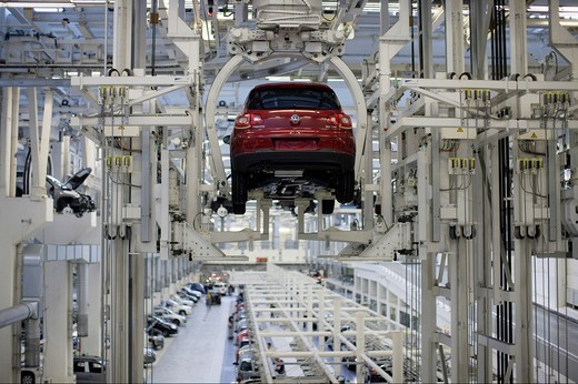 Tiguan production, VW factory : Stock Photo