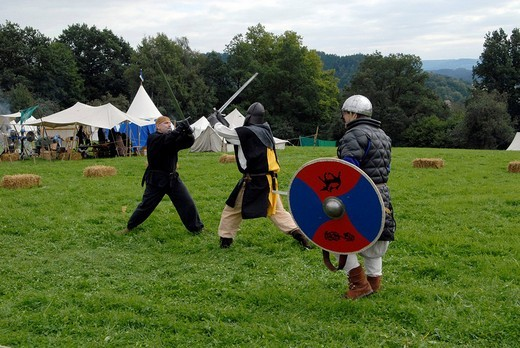Staged fight, knights at the historic Staufermarkt at the Lorch Monastery, Lorch, Baden_Wuerttemberg, Germany, Europe : Stock Photo