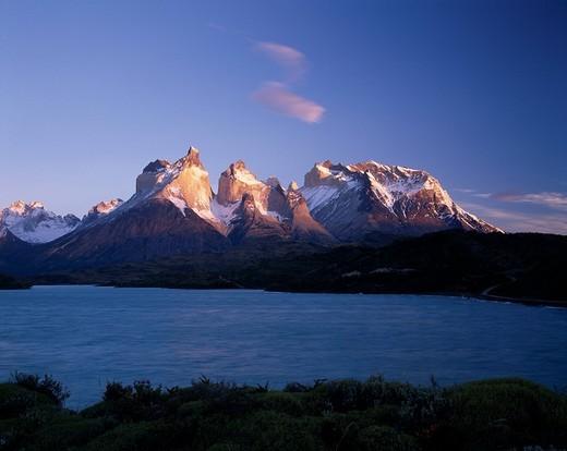 Stock Photo: 1848-250139 Cuernos del Paine mountain range, Torres del Paine National Park, Patagonia, Puerto Natales, Región de Magallanes y de la Antartica Chilena, Chile, South America