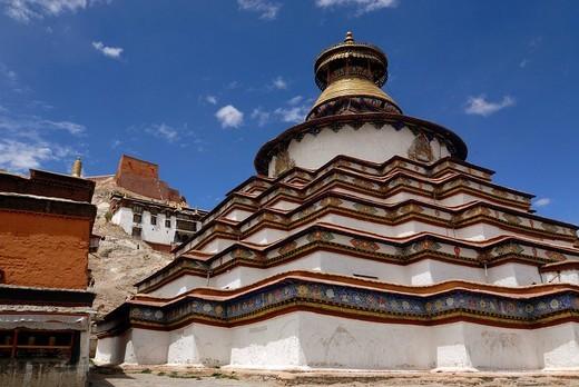 Stock Photo: 1848-250277 Gyantse Kumbum, walk_in mandala and Pelkor Choede Monastery, Gyantse, Tibet, China, Asia