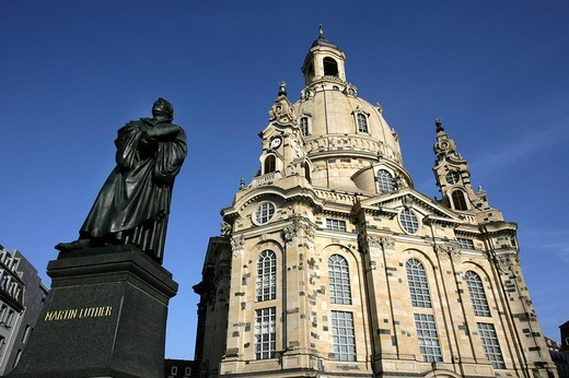 Stock Photo: 1848-250615 Martin Luther monument in front of the Frauenkirche church, Dresden, Saxony, Germany