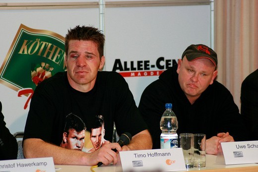 Boxer Timo Hoffmann and trainer Uwe Schuster at a press conference after a heavyweight fight against Alexander Dimitrenko during the Universum Champions Night, Magdeburg, Saxony_Anhalt, Germany, Europe : Stock Photo