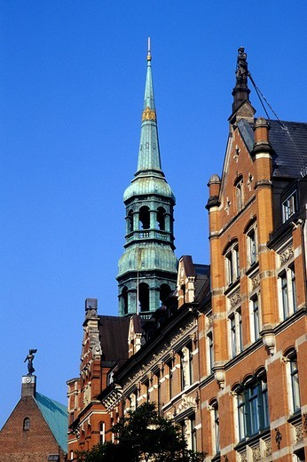 Stock Photo: 1848-254218 St. Catherine´s Church beside the Zippelhaus building, Hanseatic City of Hamburg, Germany, Europe