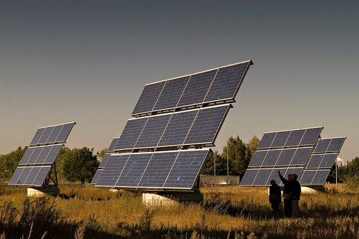Stock Photo: 1848-254379 Solar modules in a testing ground