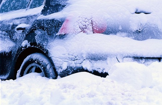 Stock Photo: 1848-254997 Snow_covered car