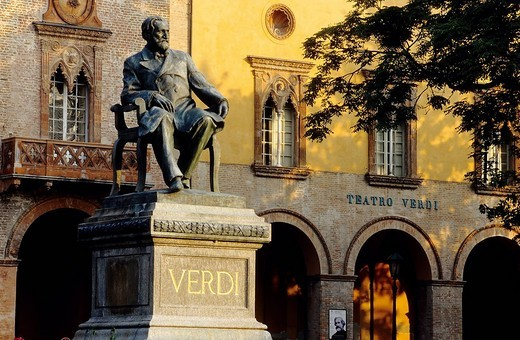 Verdi monument, Giuseppe Verdi Theatre, Busseto, province of Parma, Emilia_Romagna, Italy, Europe : Stock Photo