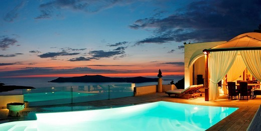 Luxury suite of a hotel with swimmingpool, Firostefani, Santorini, Greece : Stock Photo