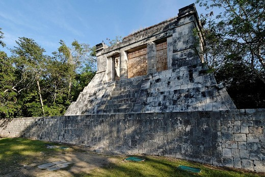 Templo del Hombre Barbado, temple of the bearded man, Maya and Toltek archeological site Chichen Itza, new worldwonder, Yucatan, Mexico : Stock Photo