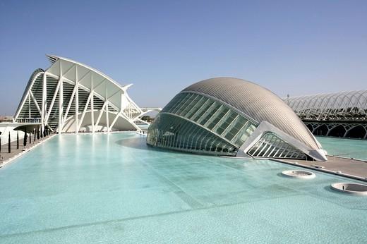 ESP, Spain, Valencia : Ciudad de las Artes Y de las Ciencias, City of arts and sciences. L´Hemisferic und Museo de las Ciencias Principe Filipe : Stock Photo