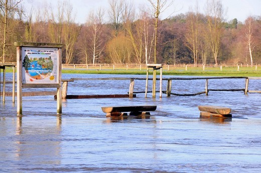 Ilmenau River at Bienenbuettel flooded on January 1, 2008, Lueneburger Heide, Lower Saxony, Northern Germany, Germany, Europe : Stock Photo
