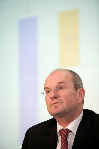 Hans_Peter VILLIS, chief executive officer of the EnBW Energie Baden_Wuerttemberg AG, during annual earnings press conference, KARLSRUHE, GERMANY, 19.02.2008. : Stock Photo