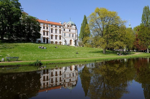 Castle, Schlosspark with moat, Lower Saxony, Germany, Europe : Stock Photo