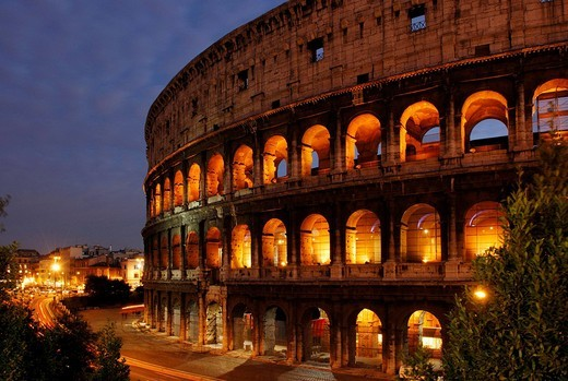 Exterior view of the Colosseum at night, Rome, Italy : Stock Photo