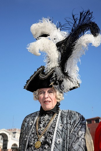 Stock Photo: 1848-262437 Noblewoman at the carnival in Venice, Italy