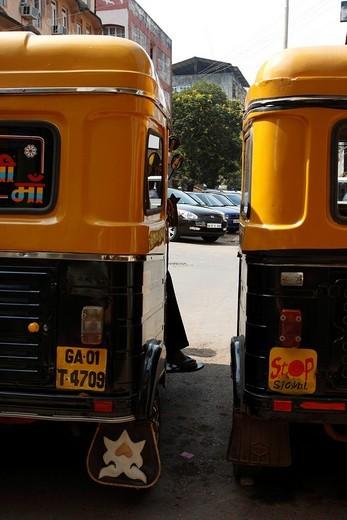 Tuk_tuk side by side, Goa, India : Stock Photo