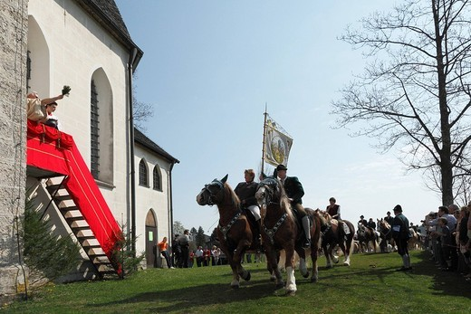 Georgiritt, George´s Ride, Easter Monday procession, blessing, Ettendorf Church, Traunstein, Chiemgau, Upper Bavaria, Bavaria, Germany, Europe : Stock Photo