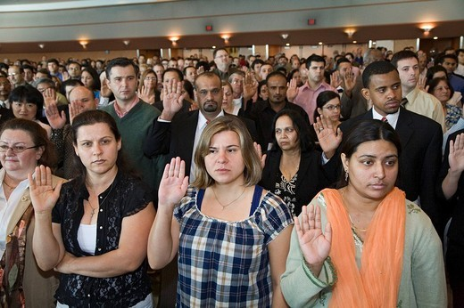 Immigrants are sworn in as new U.S. citizens, Detroit, Michigan, USA : Stock Photo