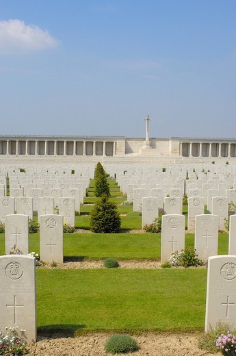 British Memorial and First World War Cemetery, Pozieres, Picardie, Somme valley, France, Europe : Stock Photo