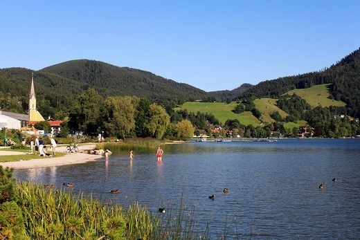 Stock Photo: 1848-269498 Swimming beach and parish church in Schliersee, Upper Bavaria, Bavaria, Germany, Europe