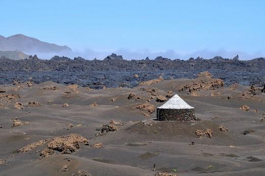 Traditional hut, Cha das Caldeiras, Pico de Fogo Volcano, Fogo Island, Cape Verde Islands, Africa : Stock Photo