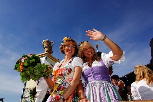 Stock Photo: 1848-272658 Women in dirndl dresses, Wies´n, October fest, Munich, Bavaria, Germany, Europe