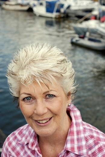 Attractive mature woman, portrait : Stock Photo