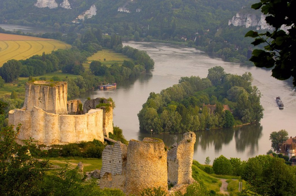 Meander of Seine river and Galliard Castle, Château_Gaillard, Les Andelys, Seine valley, Normandy, France, Europe : Stock Photo