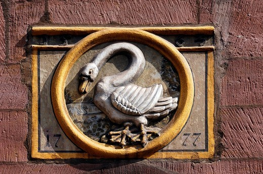 Old tavern sign To the White Swan from 1777, Nuremberg, Middle Franconia, Bavaria, Germany, Europe : Stock Photo